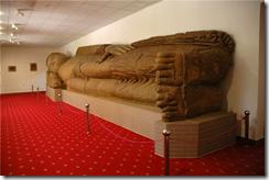 статуя Будда в нирване