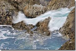 эрозия осуществляется за счет силы потока воды