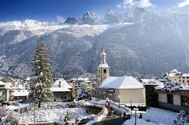 Французский курорт Шамони – отдых зимой и летом