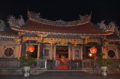 храм Лун-Шань
