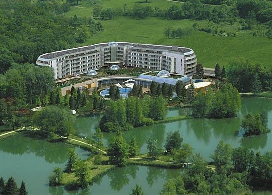 замок-отель Надь Фелшобуки